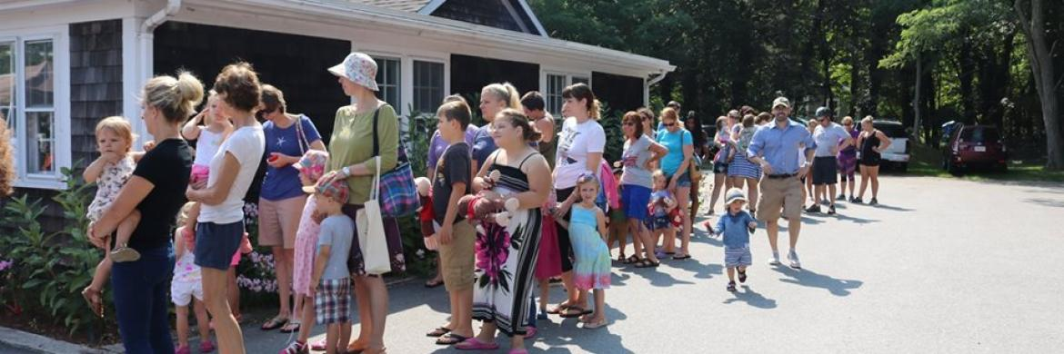 The line waiting to meet Curious George Summer 2017